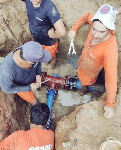 Essap realiza interconexión de tuberías a la nueva Planta de Tratamiento Móvil en San Bernardino