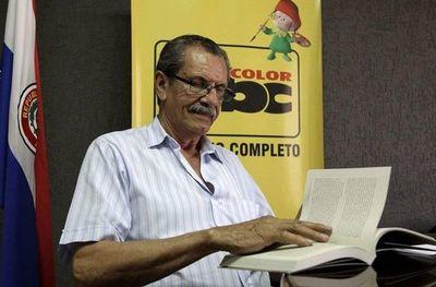 Alcibíades González Delvalle gana concurso de obra teatral unipersonal Eligio Ayala