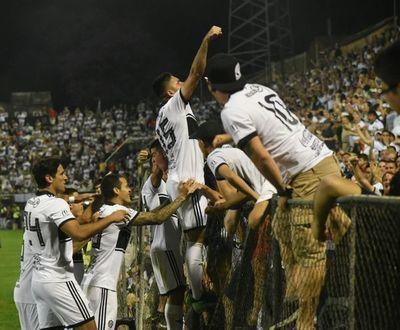 """El """"regalito"""" de Cerro  a exjugador franjeado finalista con Colón"""