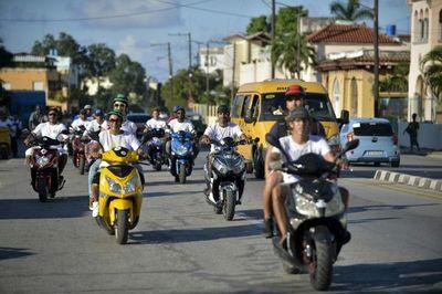 Cuba: Motos eléctricas al rescate del transporte y del ambiente