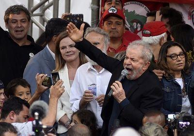 """Lula congrega a sus fieles para denunciar la """"locura"""" del gobierno Bolsonaro"""