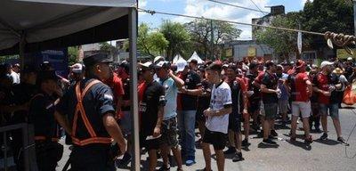 ¡Locura! Más de 37.000 hinchas argentinos ingresaron al país