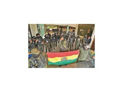Militares de Bolivia aseguran que nunca irán en contra del pueblo