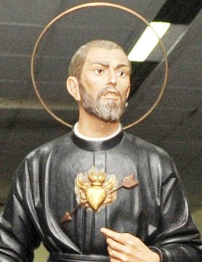 Rezan novenario  a Roque González en su parroquia