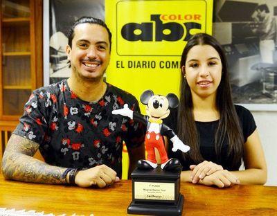 Joven bailarina paraguaya obtiene un trofeo en Disney