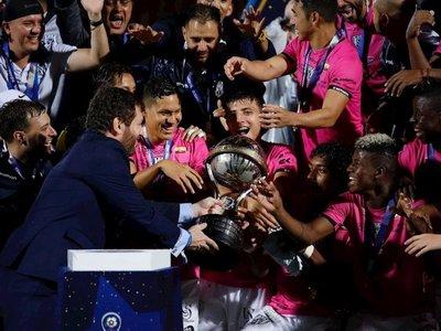 """""""Un logro para todo Ecuador"""", dice el español Ramírez al ganar Sudamericana"""