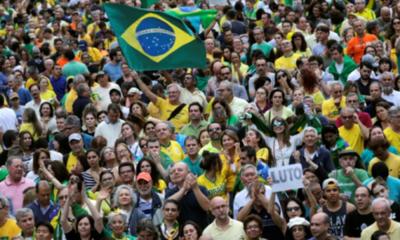 Miles de brasileños rechazan liberación del expresidente Lula