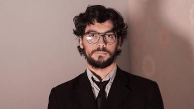 HOY / El Profesor de la Casa de Papel tiene un doble y es paraguayo