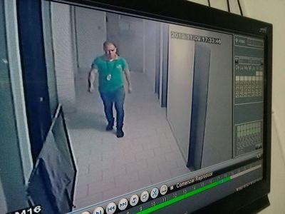 Presunto empleado infiel arrestado por hurto de recaudación