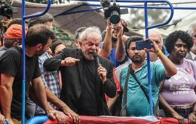 Lula busca recuperar el poder político en el Brasil