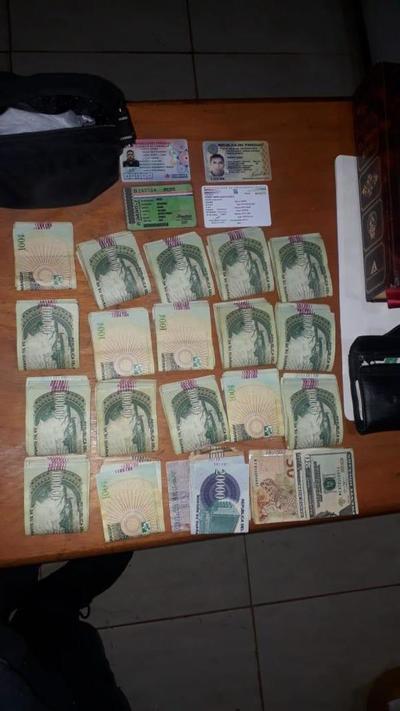 Presunto microtraficante es detenido tras intentar sobornar a los policías