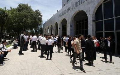Confirman alto nivel de acatamiento en huelga del Poder Judicial