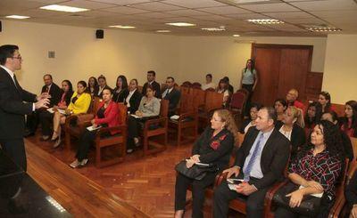 Estudiantes de Unisal conocen sobre jurisdicción Civil