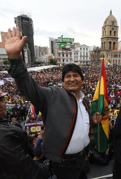 """Bolivia: Querey defiende gestión de Evo Morales y habló de """"plan orquestado"""""""