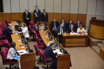 """Voto electrónico: diputada cuestiona a TSJE y Contrataciones Públicas por """"fiasco"""" de licitación para máquinas"""