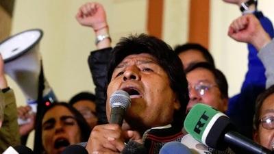 Evo busca culpar a la oposición tras el fraude electoral que lo obligó a renunciar