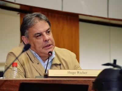 Crisis en Bolivia: senador responsabiliza a sector radicalizado de la oposición