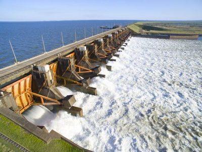 Aprueban la comisión tripartita para revisar venta de energía de EBY al Brasil
