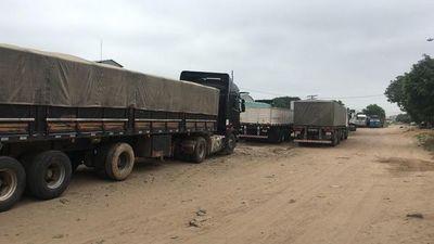 Más de 50 camioneros paraguayos están varados en Bolivia y piden asistencia
