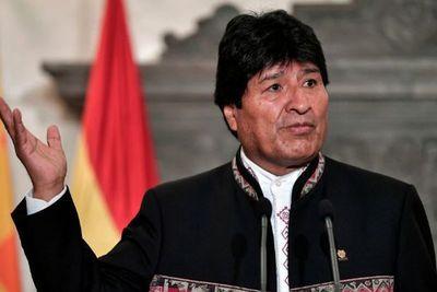 """Congreso boliviano recibe carta de """"renuncia obligada"""" de Evo"""