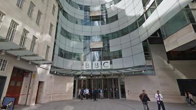 Una conductora demandó a la BBC porque cobraba 3 mil euros menos que un colega