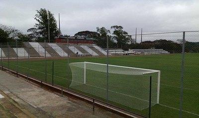 Olimpia se queja del 'pésimo estado' del estadio santaniano