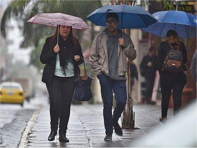 Martes muy caluroso y con lluvias, anuncia Meteorología