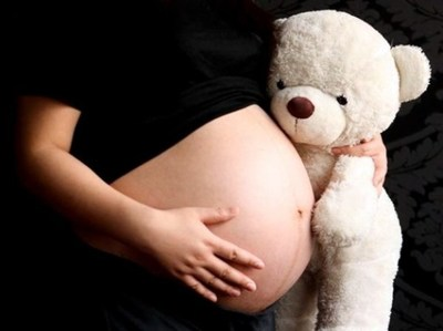 Embarazo adolescente le cuesta al Estado más de US$ 136 millones