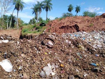 Imputan a intendente de Yaguarón por quema de basura en vertedero