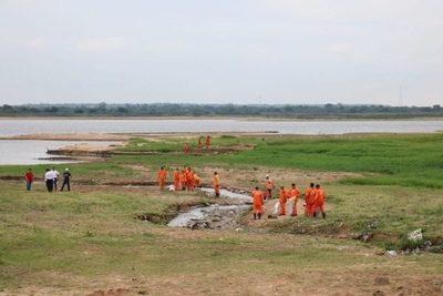 Hay tendencias de que el río Paraguay seguirá bajando