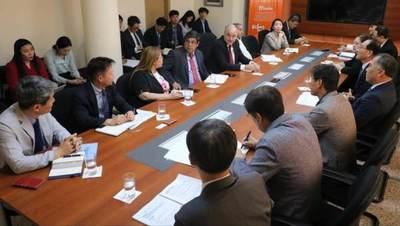Coreanos interesados en desarrollar proyectos viales y ferroviarios en el país