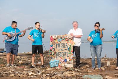 Orquesta H2O, música al rescate de las aguas