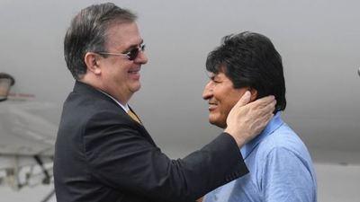 Evo Morales llega a México como asilado político