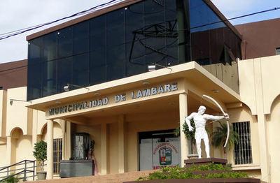 Funcionarios de la Municipalidad de Lambaré exigen pago de salario