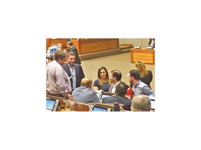 Diputados aprueban subir tope del déficit fiscal solo hasta 2% del PIB