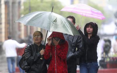 Anuncian lluvias y tormentas en todo el país