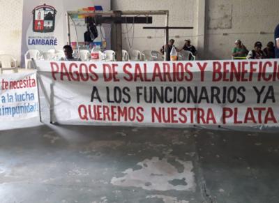 Vigilia hasta que renuncie el intendente Armando Gómez