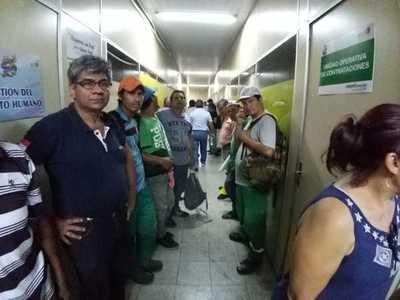 Lambaré: Renuncia de intendente no resolverá problema de salarios pero aliviará crisis política, según titular de Junta