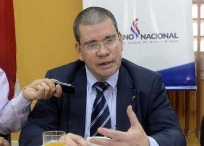 """Barrios: """"Hay una abierta persecución hacia nuestro líder Horacio Cartes"""""""