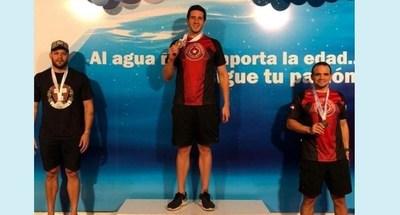 Paraguayos logran medallas en el Sudamericano Master de Natación