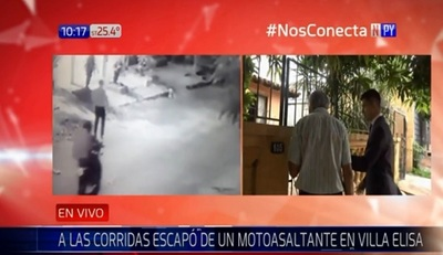 Adulto mayor huye a pie de motochorros