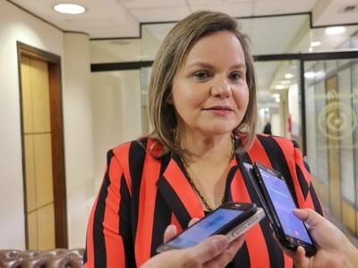 Pedro Alliana está siendo parcialista dentro de las elecciones juveniles de la ANR, dice senadora
