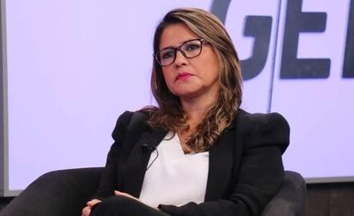 HOY / Renuncia el ministro de Justicia y asume Cecilia Pérez