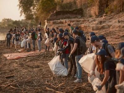 Voluntarios de Corona interceptan más de 30 mil kilos de residuos del río Paraguay
