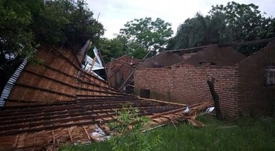 Temporal destruyó varias viviendas en Ñeembucú