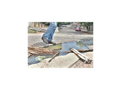 Vecinos urgen que se  abra calle amurallada en Varadero