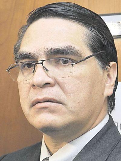 """Juez dice que fiscales """"perdonaron"""" a Ibáñez"""