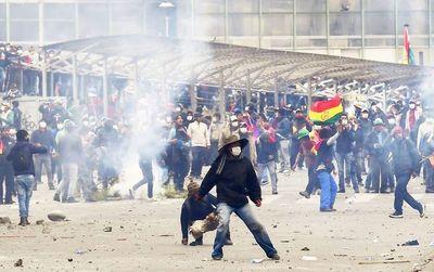 Una Bolivia todavía en tensión busca continuar con el reto de la transición