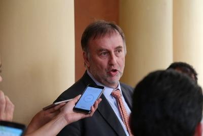 """Ministro de Hacienda: """"el presupuesto se está volviendo más rígido de lo que era"""""""