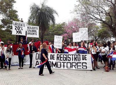 Funcionarios judiciales advierten con endurecer protesta